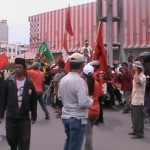 Kenaikan BBM: Kecewa Dengan Keputusan DPR, KRSU Blokir Jalan
