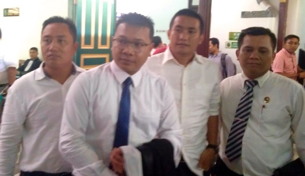 William Josua Butar-Butar dibebaskan dari Dakwaan Korupsi Dana Pengadaan Buku.